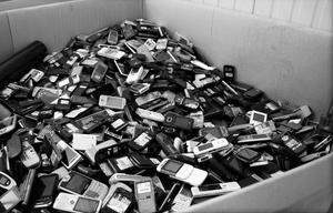 100 million worn out mobile phones in the wild in France!